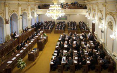 Výzva Parlamentu, aby otevřel Česko moderní energetice